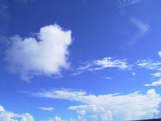 雲もこもこ