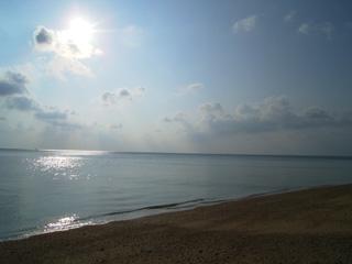 ギラギラ太陽&ペタペタ海