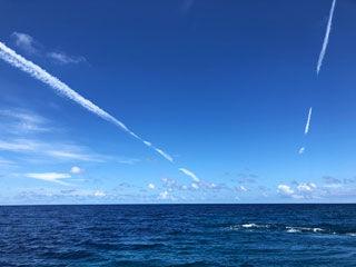 W飛行機雲