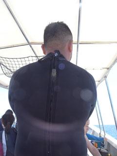 背中で語る男