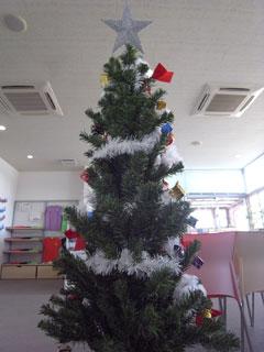 クリスマスツリー裏