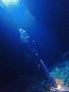 洞窟内ステージ