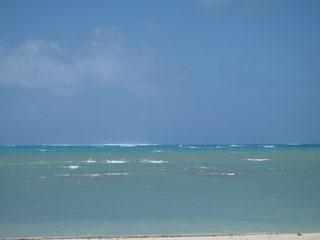イーフビーチ沖